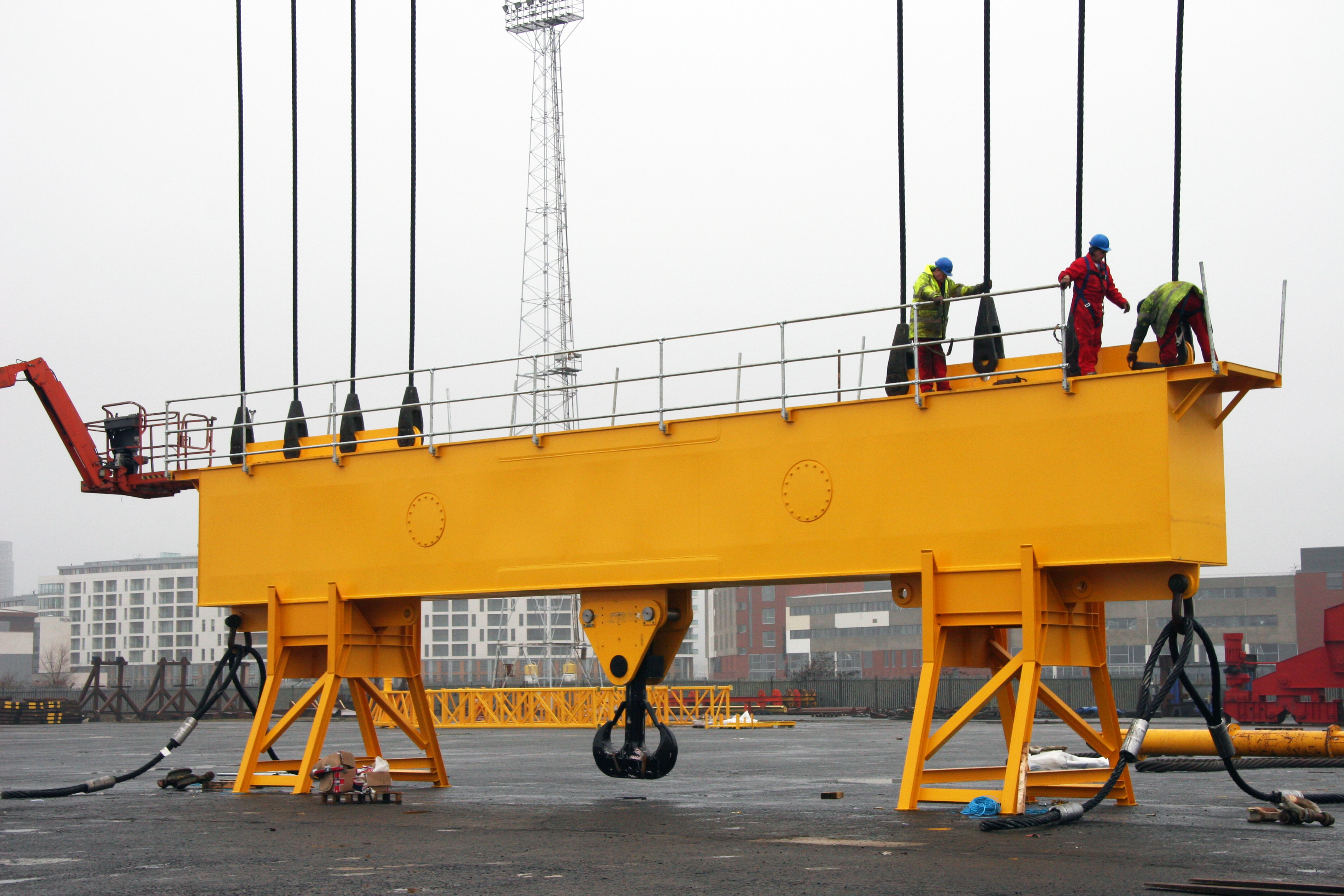 Modulift Super Heavy Lifting Beam being prepared for lifting
